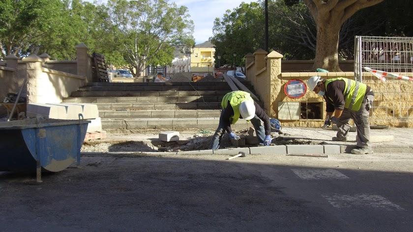 Reanudación de obras en plaza Hermanos Martín Escudero.