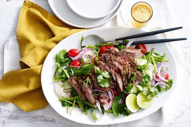 Kich thich vi giac voi 7 mon salad dinh duong giai nhiet mua he sau hinh anh 9