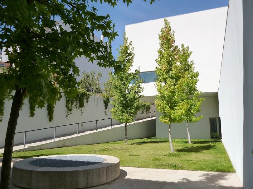 Centro Arte Contemporânea Graça Morais