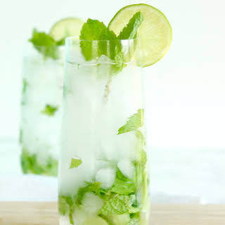 Skinny White Wine Mojitos.