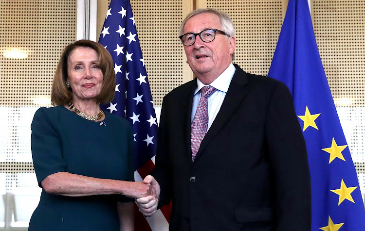 U.S. Speaker of the House of Representatives Nancy Pelosi is welcomed by European Commission President Jean-Claude Juncker at EU Commission headquarters in Brussels, Belgium, February 18, 2019. REUTERS / YVES HERMAN