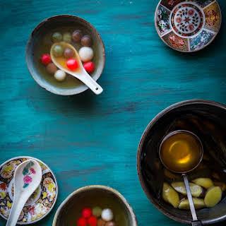 Glutinous rice balls (Tang Yuan).