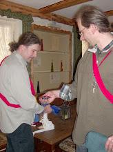 Photo: Uli und Matze beim Aufbau.
