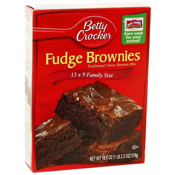 Prepare brownie mix according to package directions.