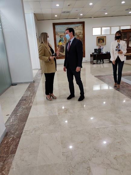Marifrán Carazo visita la Diputación Provincia de Almería.