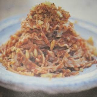 Anna Ws Pasta con acciughe e pomodoro (von Jamie Oliver)