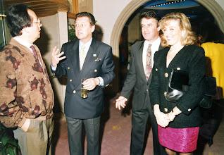 Photo: Amado Moreno, Carlos Larrañaga, Javier Valcarce y Rosa María Fernández (esposa del periodista)