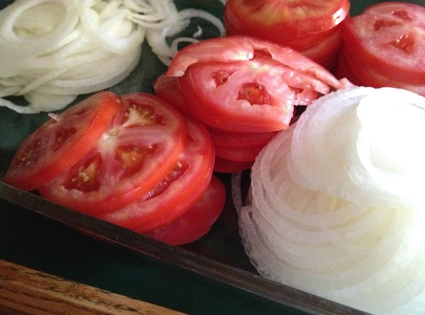 "thinly slice the onion, slice the tomato @ 1/4 "" slice, slice the mushrooms,..."