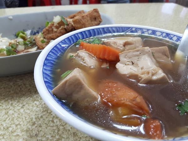 台南土地公純青草浸泡的臭豆腐,不養身又能增加口感