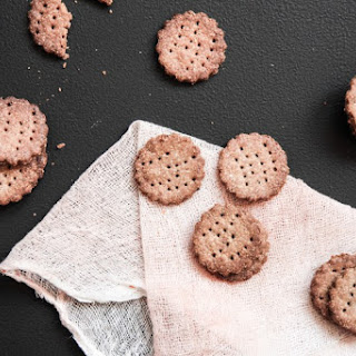 Super Easy Rye Crackers.