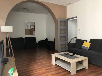 Maison 9 pièces 244 m2