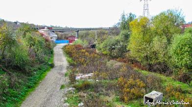 Photo: 2013.10.20 - Vedere Str. Funicularului, Pod si Strada Alba Iulia peste Paraul Sandulesti, vedere de pe Str. Cheii