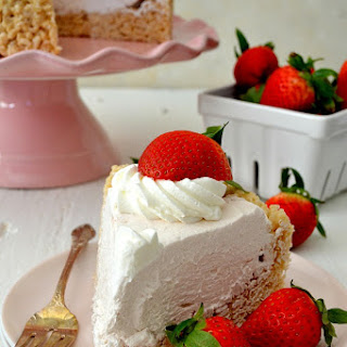 Rice Krispy Treat No-Bake Strawberry Cheesecake.