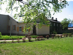 Photo: Дом-музей, вид со стороны сада.