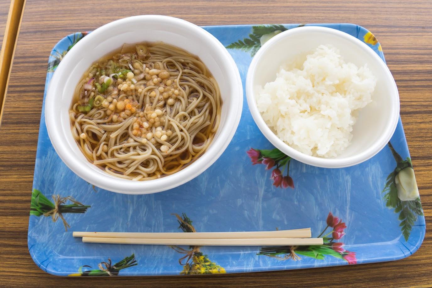 新そばと新米のご飯(おぼろづき)