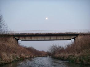Photo: a księżyc powoli razi w oczy