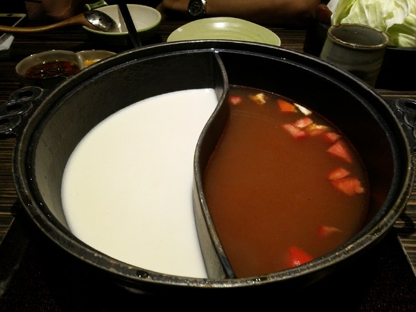 [桃園]恆八味屋日式火鍋|套餐式精緻火鍋|附主食菜盤肉盤飲料甜點 @ ✎菜菜子的美食手札ⓝⓞⓣⓔ