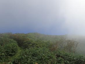 二ノ峰への上り(ガスが晴れてくる)