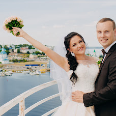 Wedding photographer Aleksey Denisov (chebskater). Photo of 11.10.2017