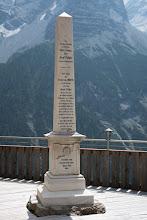 Photo: Obelisk upamiętniający pierwsze wejście na szczyt Ortler w 1804 r. (Josef Pichler, Johann Leitner, Johann Klausner, 27 IX 1804).