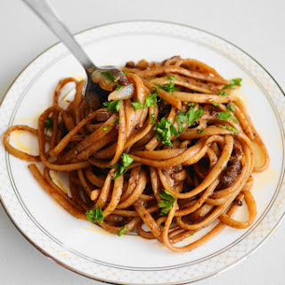 Beefy Red Wine Linguine