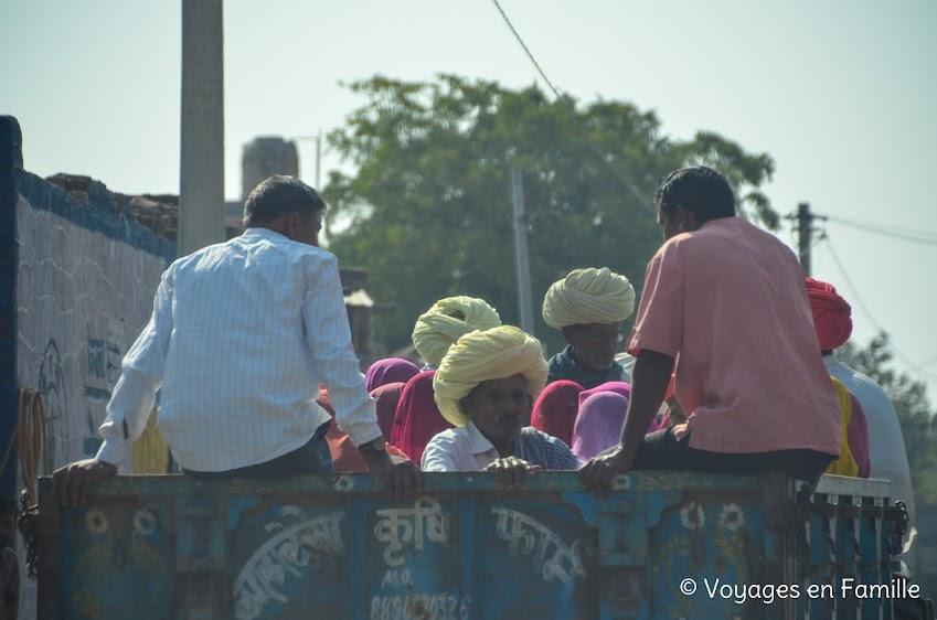 Hommes au turban