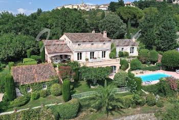 Villa 8 pièces 360 m2