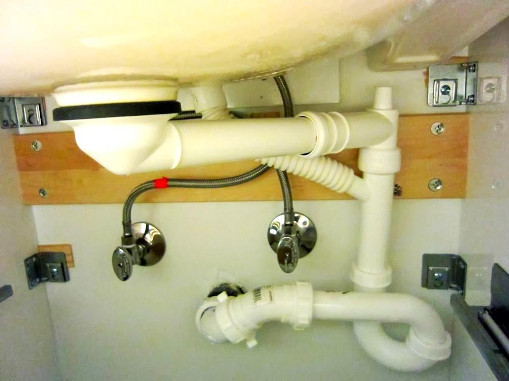 installing  godmorgon cabinet 3