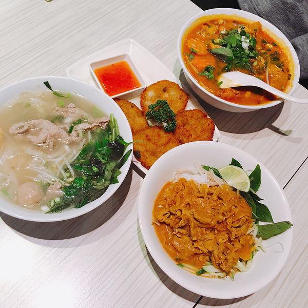 新越越南麵食館|平價大碗又好吃的越南美食,裝潢舒適且環境乾淨,高CP值近五分埔|食台北|松山區-捷運後山埤|WA's Life