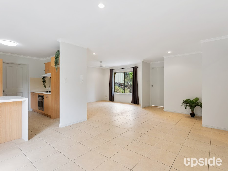 Main photo of property at 4 Essex Court, Nerang 4211