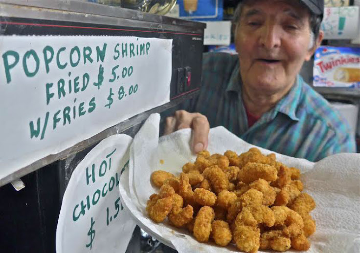 (Photo credit: EV Grieve http://evgrieve.com/2015/11/now-at-rays-candy-store-popcorn-shrimp.html?m=1)
