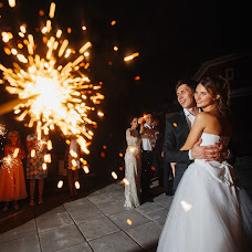 Wedding photographer Tolik Boev (TolikBoev). Photo of 21.08.2017