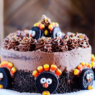 Oreo Turkey Thanksgiving Cake.