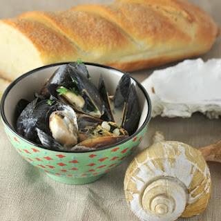 Mussels With White Wine And Garlic Cream Sauce Recipes.