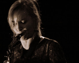 Photo: Nora Kamm : saxophone