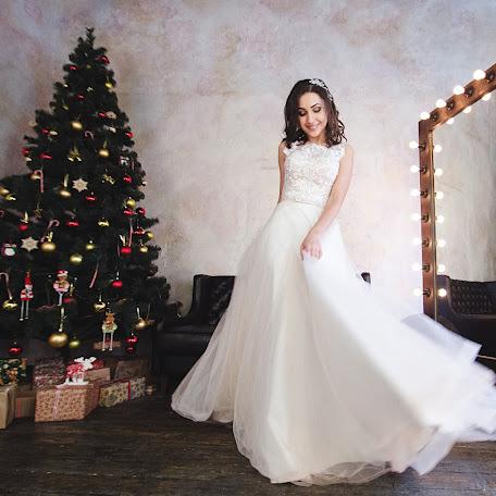 Wedding photographer Oksana Khudoshina (Ksana1206). Photo of 31.12.2017