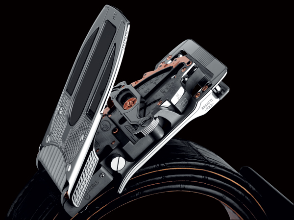"Calibre R22 MK1 ""Bugatti"" mechanical belt buckle"