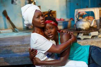 Photo: Eclipsed. Akosua Busia (izquierda) y Lupita Nyong'o (derecha).