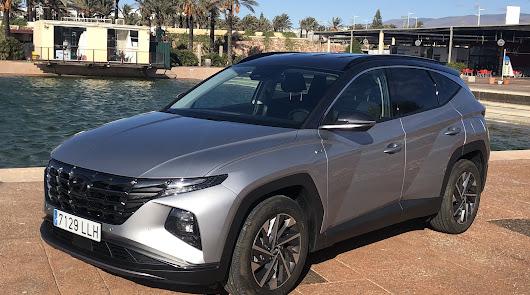 Al volante del nuevo Hyundai Tucson del concesionario oficial Almerialva