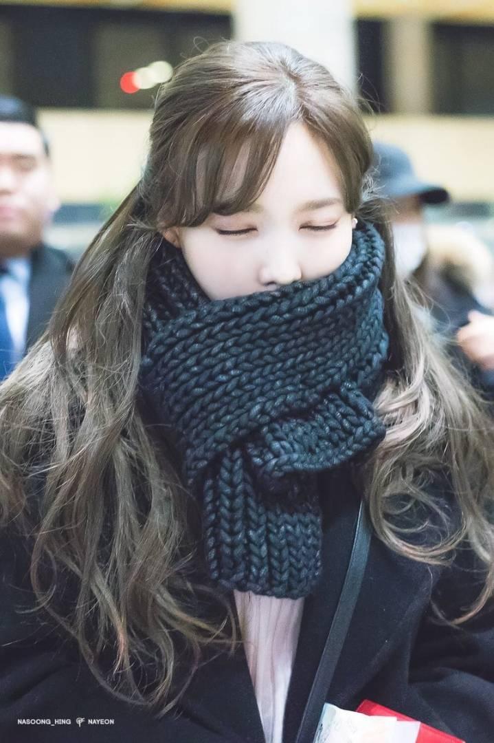 kang daniel scarf jihyo 8