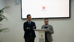 Ramón Fernández-Pacheco y Carlos Sánchez durante la comparecencia de prensa