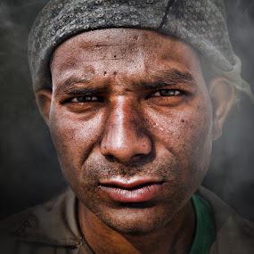 Hot spot by Angelito Cortez - People Street & Candids ( man, portrait, emotion )