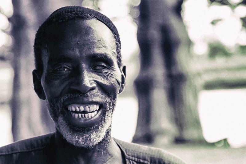 Blind smile di David Marrone