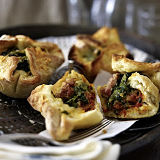 Sausage and Spinach Pizza Puffs