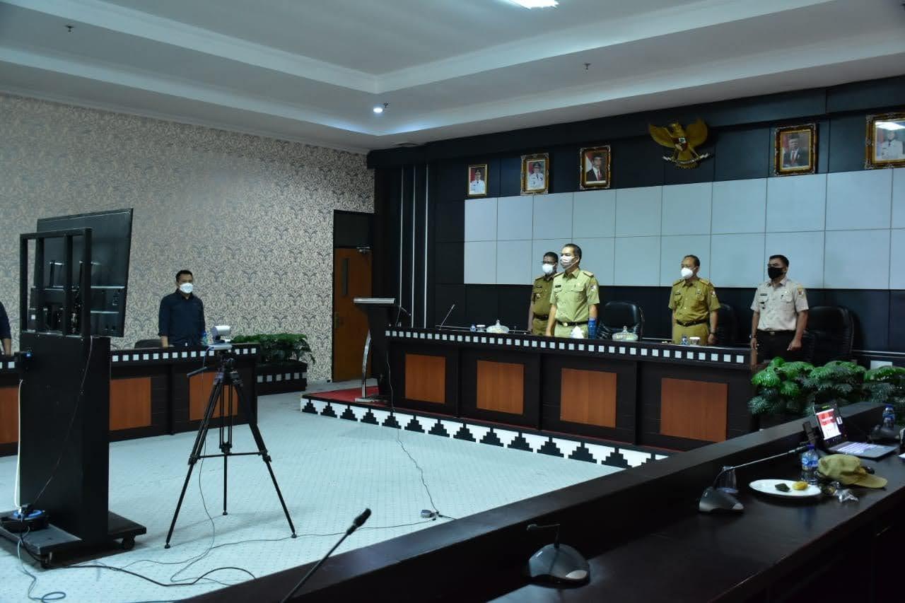 Rapat Paripurna Pembicaraan Tingkat Satu Atas Enam Raperda Kabupaten Tulang Bawang Barat Via Zoom Meeting