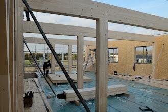 Photo: 07-11-2012 ©ervanofoto Drie spanten zijn geplaatst. Nog één te gaan voor deze zijde van het gebouw.
