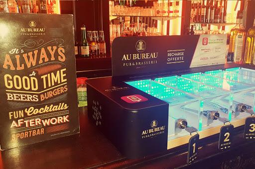 Brasserie salon de provence AU BUREAU propose la charge de batterie de telephone