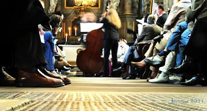 Photo: geputzte Schuhe und Musik in St. Marien Rostock