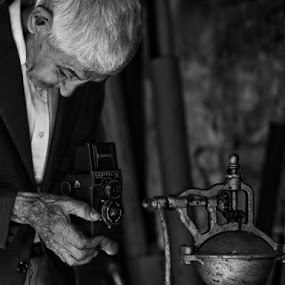 My Dad by Mario Souza - Professional People Business People ( love, b&w old people camera )