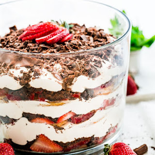 Strawberry Trifle With Ladyfingers Recipes.